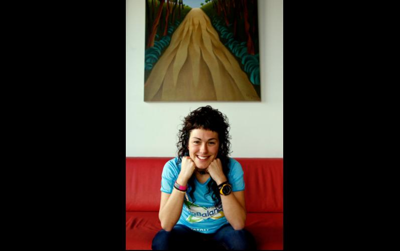 Beatriz García Berché con su pulsera Safesport ID